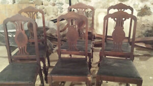 Dining Room Table with 6 Chairs and 2 inserts London Ontario image 3