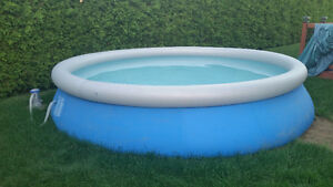Piscine gonflable 15'