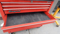 snap on top and bottom tool chest in great condition