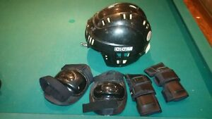 CCM SM-15 Hockey Helmet with knee pads and elbow pads