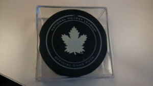Toronto Maple Leafs 100 Puck in case +