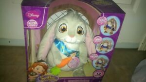 Brand new in box Sofia the First Talking Clover