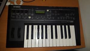 Clavier Yamaha KX25 très bon état