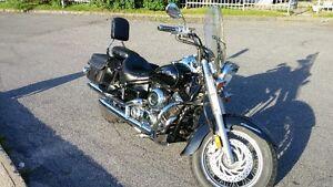 YAMAHA V-STAR 650cc