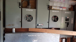 electrical  400amp distibution disconnect and 200 amp panel