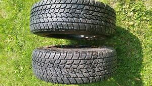 4 winter toyo tires with rims, size 205/65R 16