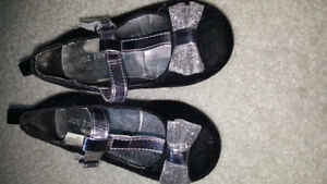Toddler size 5 sparkly shoes