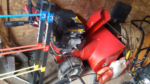 """Comercial 28"""" snowblower with new engine"""