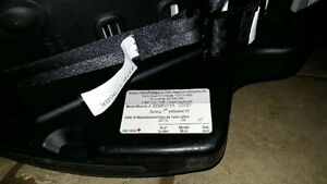 Infant Car Seat Carrier and Base London Ontario image 3