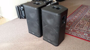 QSC HPR122i Speakers - Mint Condition
