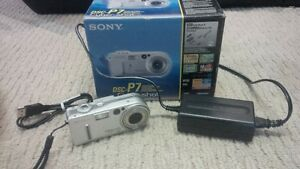 SONY DIGITAL CAMERA WITH USB AND POWER ADAPTER