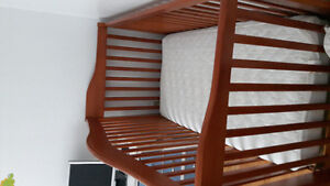 Reversible crib to day bed