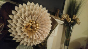Unique Christmas Wreaths - Support a Good Cause