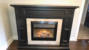 Kingwood Electric Fireplace Mantle - Solid