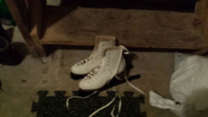Women's size 8 hockey skates