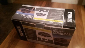 Brand New (boxed) - Thule 846 Quest Rooftop Cargo Bag Gatineau Ottawa / Gatineau Area image 3