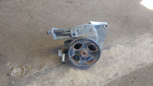 Pompe power steering Cremaillere Subaru Legacy outback 2000/2004