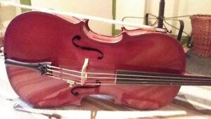Petit violoncelle 1/4 à louer