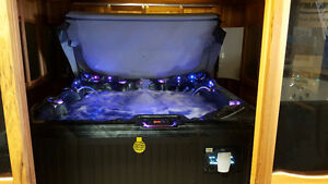 HOT TUB AND SWIM SPA LAST CHANCE BEFORE WINTER BLOWOUT Peterborough Peterborough Area image 4