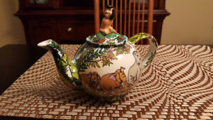 The Jungle Book tea pot, Disney collector edition.