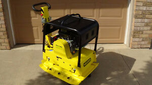 """REVERSIBLE PLATE COMPACTOR,13HP GAS, 550LBS, 33' X 26"""" PLATE,"""