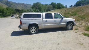 2004 GMC SIERA SLE 4X4 CREW CAB