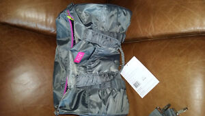 ELLE brand new sport bag with tag. never used.