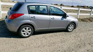 2009 Nissan Versa only 87k. Automatic