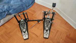 Drum Pedal: Pearl P122TW Double Pedal - Like New