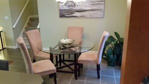Modern Glass Top Dining Table w 4 Chairs, Nice $200!!! London Ontario image 1