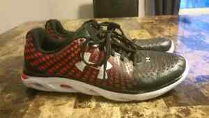 Underarmour Spine(BRAND NEW)11.5