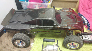 Hpi baja 5t fully moded with 62cc skopod engine