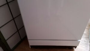 Portable dishwasher practically brand new reliable energy star