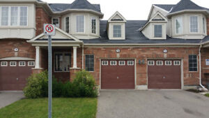 Executive 2-Storey Town House in Milton