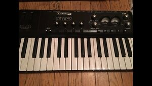 Line 6 KB37 recording interface/midi keyboard