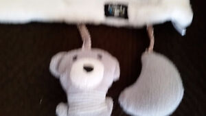 White baby blanket  perfect condition $5 Very soft , cozy , use