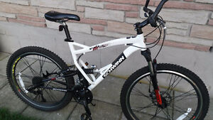 Schwinn Graft Pro Mountain Bike