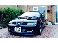 Black Cupra R 1.8 Turbo
