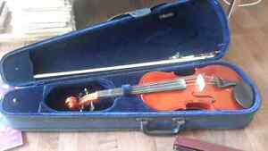 4/4 Violin with case, music stand, neck rest, bow