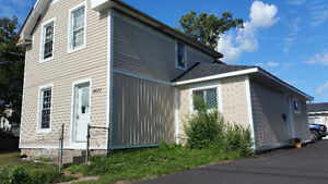 LARGE 3 Bedroom, West End House, Utilities INCLD. Clean, Bright