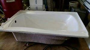 5' Kohler Bath Tub London Ontario image 3