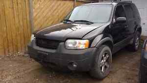 PARTING OUT 2005 FORD ESCAPE GETTING SCRAPPED SOON