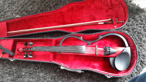 Yamaha V120 electric violin with built in reverb  for sale