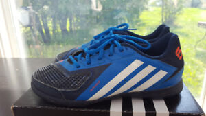 Adidas indoor soccer shoes-size 5.5
