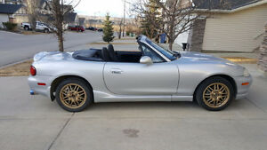 2000 Mazda MX-5 Miata Convertible *5 Speed Manual*