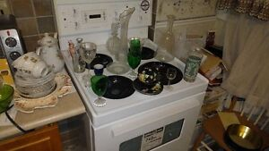 """24"""" NEW Stove Never Used Although Older - Beaumark"""