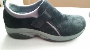 Women's Windriver Slip On Hikers - Size 6.5