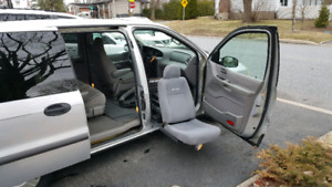 Ford windstar adapté 2002