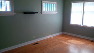 2 suites (mn & lower), $800 each, shared util. & laundry