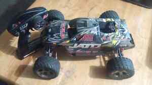 Traxxas Jato 3.3 nitro truck plus parts truck and more